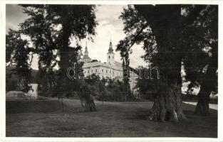 Munkács, Munkacheve; Klastromalja, templom / church