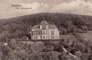 Sternberk, Sternberg in Mähren; Villa Mikulaschek