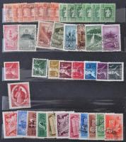 Gyűjteménymaradvány a 20-as 50-es évekből teljes sorokkal 12 lapos A/4 berakóban