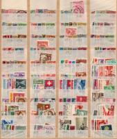 Svájc tétel, benne 1.040 db klf bélyeg 6 db berakólapon
