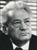 cca 1965-1970 Balla Demeter: Darvas József író, pecséttel jelzett, feliratozott fotó, 23x17,5 cm