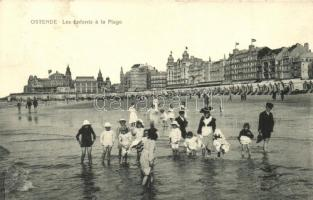 Ostend, Ostende; Enfants a la Plage / beach view