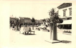 1940 Kolozsvár, Cluj; utcakép, Drogéria gyógyszertár / street view, pharmacy, automobiles, 1940 Kolozsvár visszatért So. Stpl