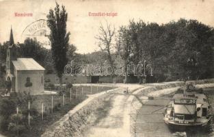 Komárom, Komárno; Erzsébet sziget, DDSG uszály a parton / island with barge