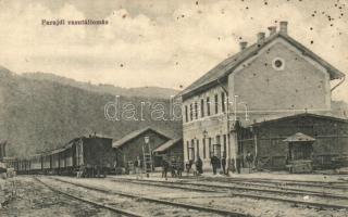 Parajd, Praid; vasútállomás, vagonok, Raab Lajos kiadása / railway station, wagons (EK)