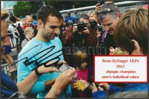 Szilágyi Áron olimpiai bajnok vívó saját kézzel aláírt fotója / Autograph signed photo of Olympic Games contestant 16x10 cm