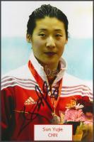 Sun Yujie olimpiai bajnok vívó saját kézzel aláírt fotója / Autograph signed photo of Olympic Games contestant 16x10 cm