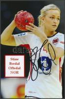 Stine Bredal Oftedal olimpiai kézilabdázó saját kézzel aláírt fotója / Autograph signed photo of Olympic Games contestant 16x10 cm