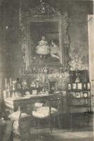 Budapest I. Erzsébet királyné emlékmúzeum, Erzsébet királyné íróasztala, belső (vágott / cut)