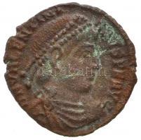 Római Birodalom / Siscia / I. Valentinianus 367-375. AE3 (2,09g) T:2- Roman Empire / Siscia / Valentinian I 367-375. AE3 DN VALENTINI-ANVS P F AVG / GLORIA RO-MANORVM - M - *F - BSISC (2,09g) C:VF RIC IX 16. xvi.