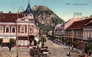 Déva, Kossuth Lajos utca, Orient és Fehér Kereszt szálloda, Mindrics és Kinda és Hirsch Testvérek üzlete. kiadja Hirsch Adolf / street, shops, hotels