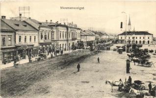 Máramarossziget, Sighetu Marmatiei; tér, Taubes Lázár, Klein D. és Társa és Korona áruház / square shops