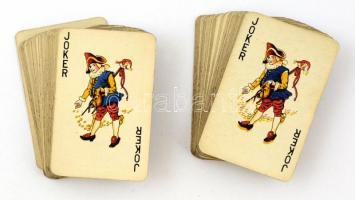 Két pakli römi kártya, hátlapján vitorlásokkal