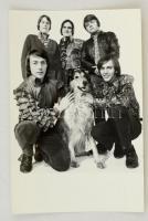 cca 1968 Metró zenekar, studió fotó, 15x10 cm.