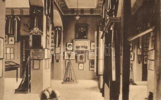 Arad, Ereklyemúzeum belső, I. terem, Kossuth emléktárgyai, nemzetőrlándzsák és bombák, kiadja Kerpel Izsó / museum interior (EK)