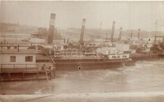 1912 Komárom, Komárno; Téli kikötő, gőzhajók / winter port, steamships, photo
