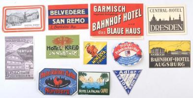 13 db különböző, háború előtti bőröndcímke hibátlan állapotban / 13 vintage hotel labels