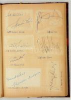 cca 1950 Hatalmas aláírásgyűjtemény az 1950-es évekből, kb 240 színész, énekes, zeneszerző aláírásával, egy füzetben, beragasztott lapokon. Kodály Zoltán, Latabár, Kabos, Besenyei, Ajtay, mindenki a ki a korban számított.