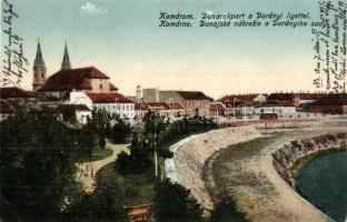 Komárom, Komárno; Duna rakpart a Darányi ligettel / quay, park