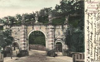 Gyulafehérvár, Alba Iuila; Alsó Károlykapu / Lower gate (vágott / cut)