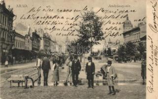 Arad, Andrássy tér, utcamosás / square, street washing (EK)