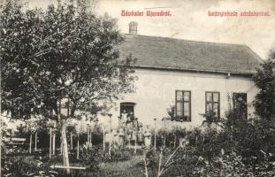 Arad, Újarad, Aradul Nou; Leányiskola, zárdakert / girls school, garden (vágott / cut)
