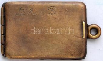 cca 1910 dögcédula tartó, gravírozott betűkkel, 5×3 cm