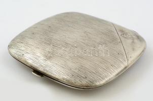 Ezüst (Ag.) cigarettatárca, jelzett, apró horpadással, nettó:89 g, 9×8 cm