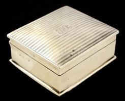 Ezüst (Ag.) monogramos doboz, jelzett (angol), fa betéttel, bruttó:299 g, 10×9 cm