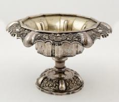 Antik ezüst (Ag.) talpas kínáló, jelzett (1836), mesterjeggyel (AH), m:13 cm, d:20 cm, nettó:390 g