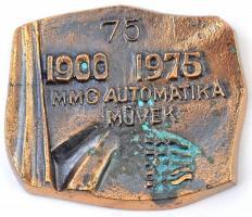 1975. MMG (Mechanikai Mérőműszerek Gyára) Automatika Művek 75 éves Br plakett (102x121mm) T:2 patina