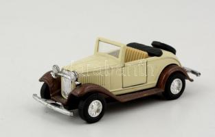 Welly Ford Roadster automodel, fém, kisebb részben műanyag, h: 11,5 cm.