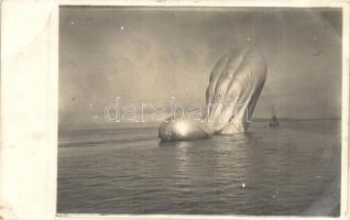 1915 A Pola felett lelőtt első világháborús olasz léghajó / WWI The wreck of Italian airship Citta di Jesi near Pola, photo (EB)