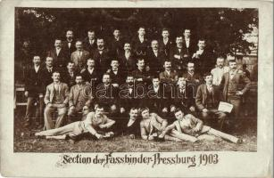 1903 Pozsony, Pressburg, Bratislava; Section der Fassbinder / Kádárok csoportja, Famunkások Szaklapja / Group of coopers, Hungarian Wood Workers Association newspaper, photo (fa)