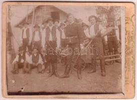 1906 Baráttelke, Az önkéntes tűzoltóság, csoportkép, hátoldalon feliratozva, 13x18 cm