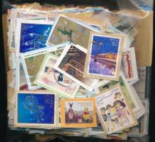 Japán 105 g áztatnivaló bélyeg ömlesztve kis tasakban