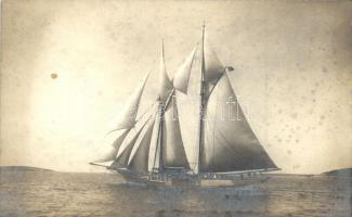 Kreuzeryacht Lily / K.u.K. Kriegsmarine Cruiser yacht. Phot Alois Beer