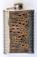 Kígyóbőr hatású berakással díszített fém flaska, 10x7x2 cm