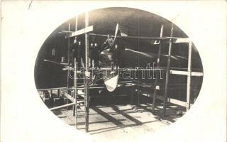 1917 Pola, SMS Erzherzog Karl osztrák-magyar csatahajó a szárazdokkban matrózokkal / K.u.K. Kriegsmarine, SMS Erzherzog Karl in the dry dock, mariners, photo
