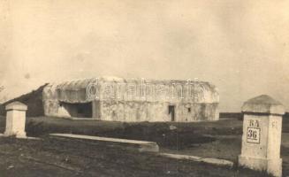 1940 Második világháborús beton erődítmény Krassónál / WWII concrete fortress at Krassó, Transylvania, photo