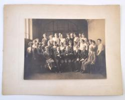 1922 A Zeneművészeti Főiskola végzett tanárai. Nagyméretű tablófotó 33x25 cm (karton méret)
