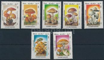 1985 Gomba sor Mi 1411-1417