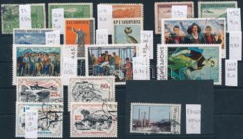 Albánia 1922-1985 17 klf bélyeg (Mi EUR 176,2)