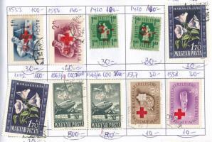 330 db magyar bélyeg, benne 3 db Pengő 20Ft 3-as lyukasztással 3 db cserefüzetben