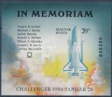 1986 In memoriam Challenger vágott blokk (4.500)