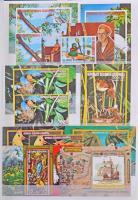 Egyenlítői Guinea Terjedelmes és tartalmas szép gyűjtemény 30 lapos A/4 berakóban