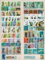 Halak motívum 95 db bélyeg, közte 12 sor berakólapon
