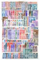 ~3.300 db külföldi bélyeg 10 lapos, közepes Schaubek berakóban