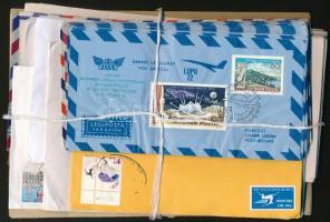 Kb. 60 db külföldi, légi illetve elsőbbségi levél, közte emlékrepülések