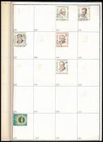 Német összeállítás, benne Nyugat-Berlin 270 db klf bélyeg + 435 db klf II. világháborús bélyeg 2 db házi készítésű A4-es füzetben